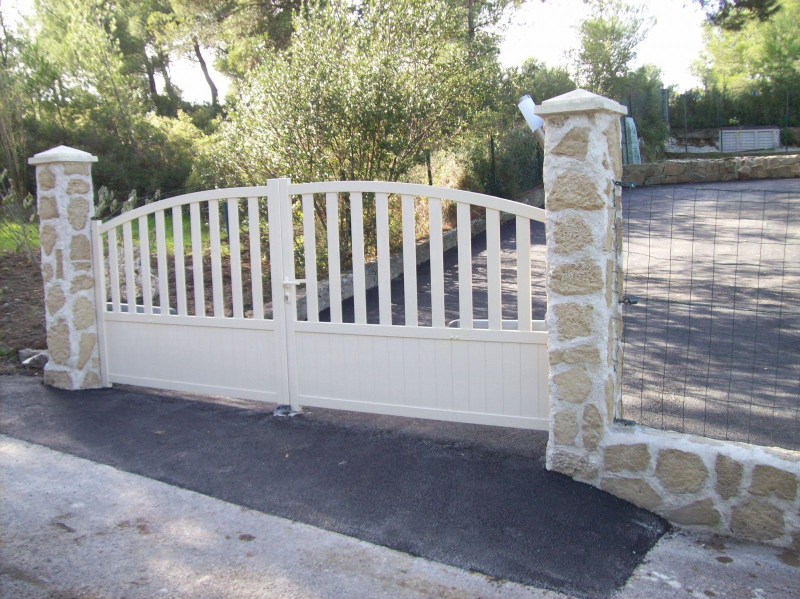 construction de piliers de portail et installation de. Black Bedroom Furniture Sets. Home Design Ideas